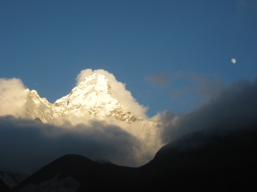 View from Pangboche Lodge: Sunset and moonrise